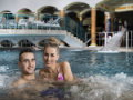 Rehabilitační bazén s přírodní léčivou vodou a vodními tryskami